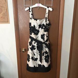 Like New Jessica Howard Sleeveless Floral Dress